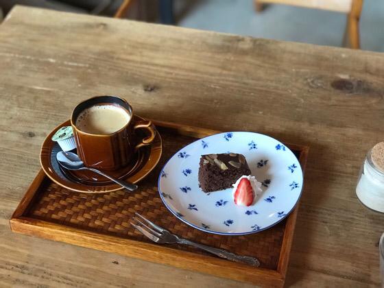 最後に食後のコーヒーとデザート